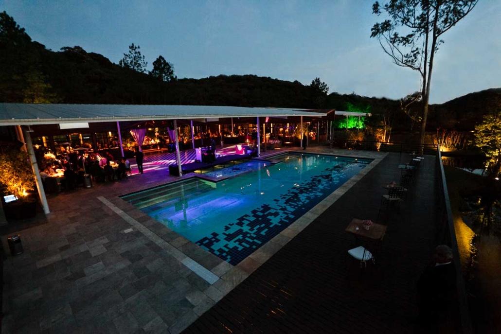 piscina-alto-1030x687